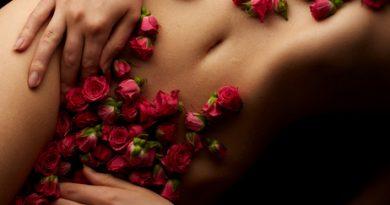 Symblobbild Yonimassage Rosen auf Bauch