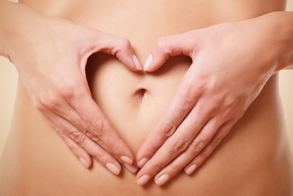 Ablauf der Yoni-Massage - Symbolbild Bauch mit Händen