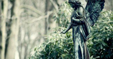 Momoart Engel-Bild als Symbol für Spiritualität in der Tantramassage
